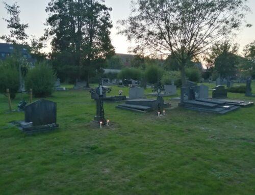 Nieuwe verlichting en gerestaureerde grafkruisen